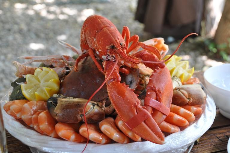 seafood platter, lobster