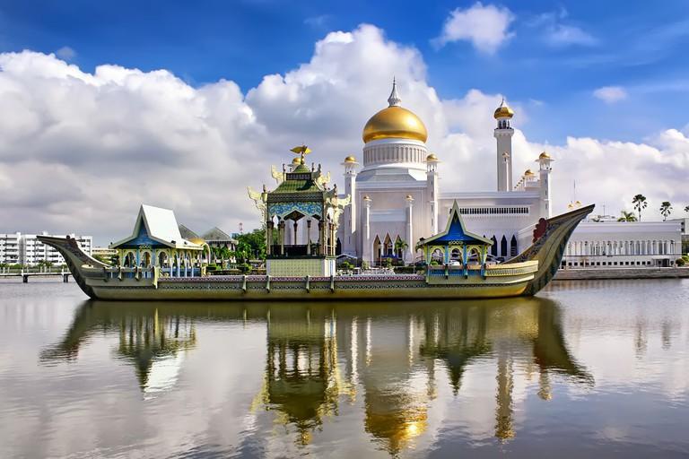The Sultan Omar Ali Saifudding Mosque, Bandar Seri Begawan, Brunei
