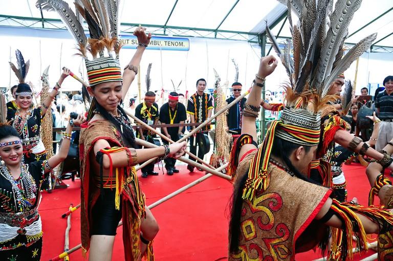magunatip bamboo dance