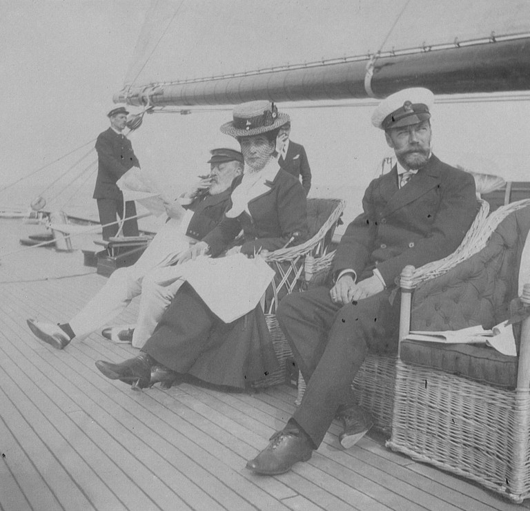 The Romanovs' visit to Cowes, UK in 1909 № 724