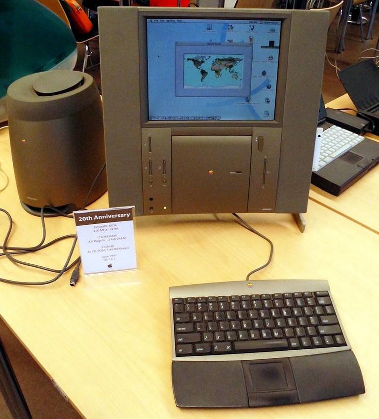 Twentieth_Anniversary_Macintosh,_Berlin_2014