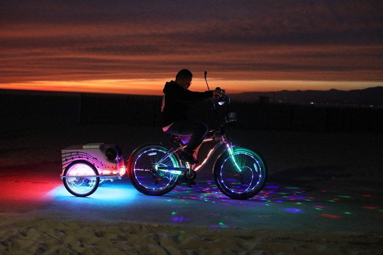 bicycle-lights-beach-Venice