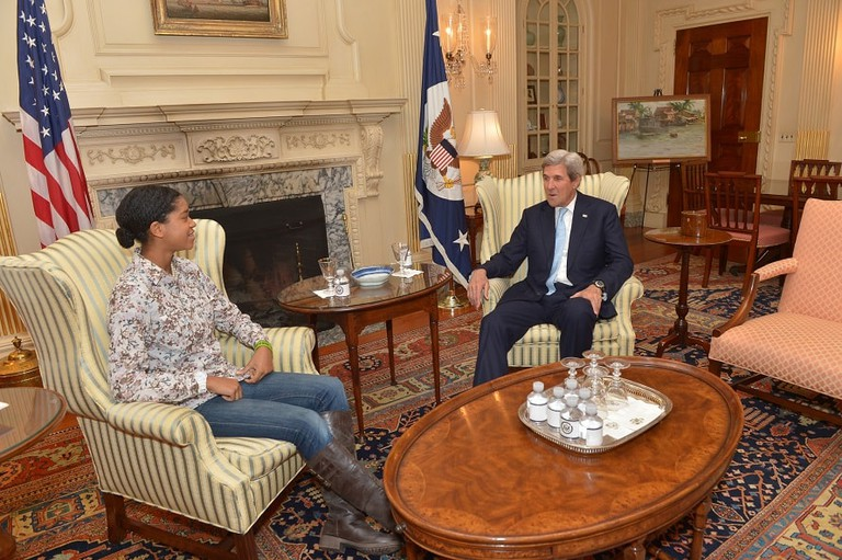 Zuriel_Oduwole_meets_Secretary_of_State_John_Kerry_in_DC