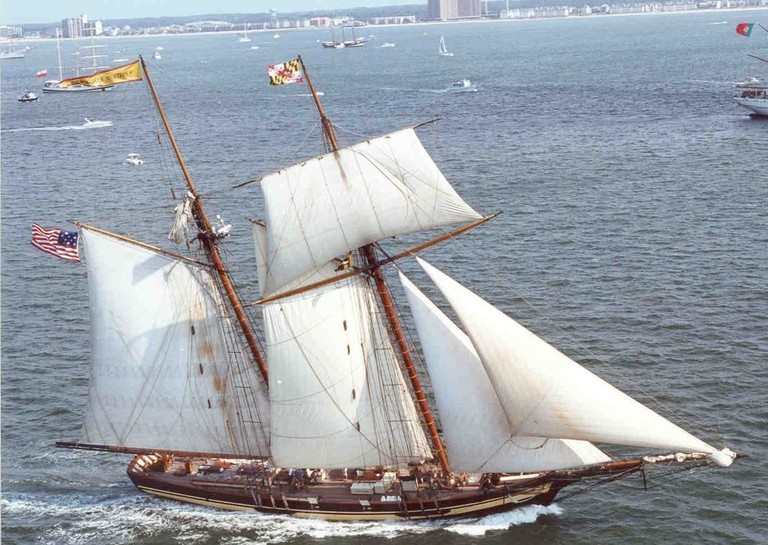 Pride of Baltimore II, historic ship, Baltimore, Mary, OpSail 2000