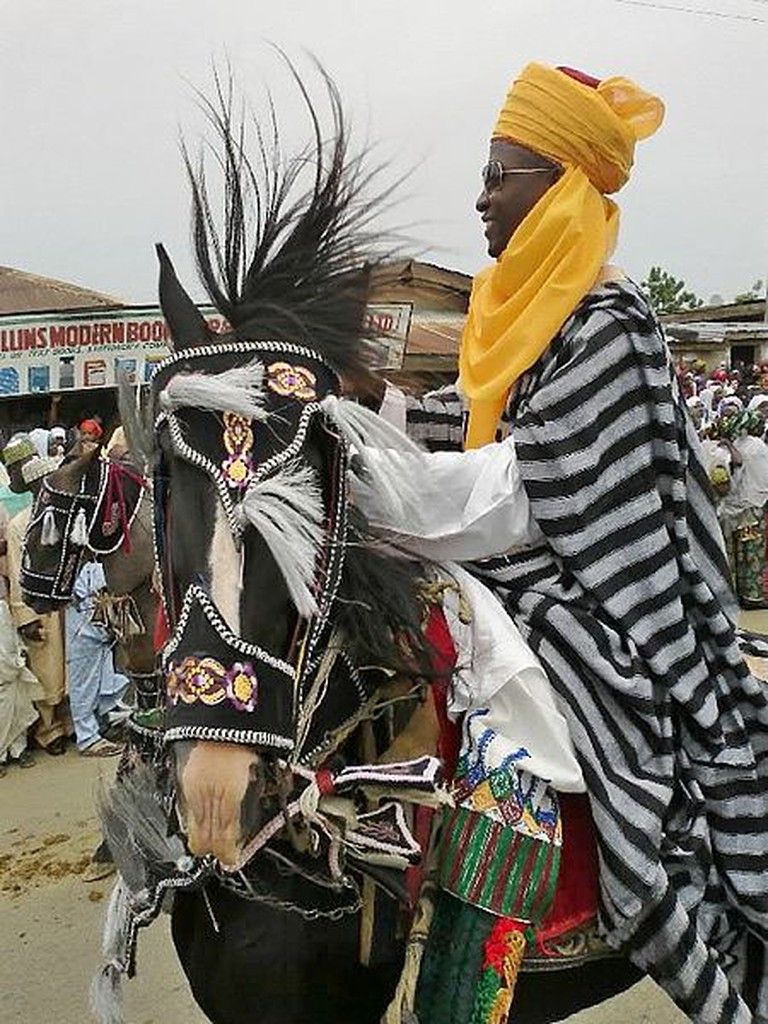 450px-Hausa_traditional_horse_outfit