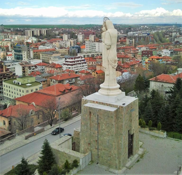 Haskovo statue