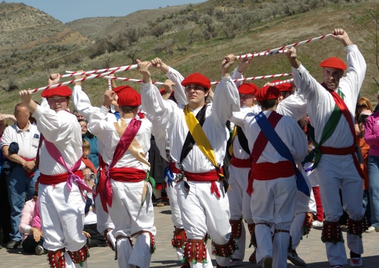 Basque-Dancers-Men