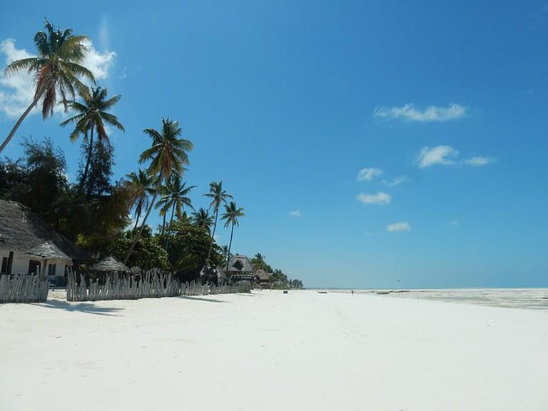beach-2036446_640