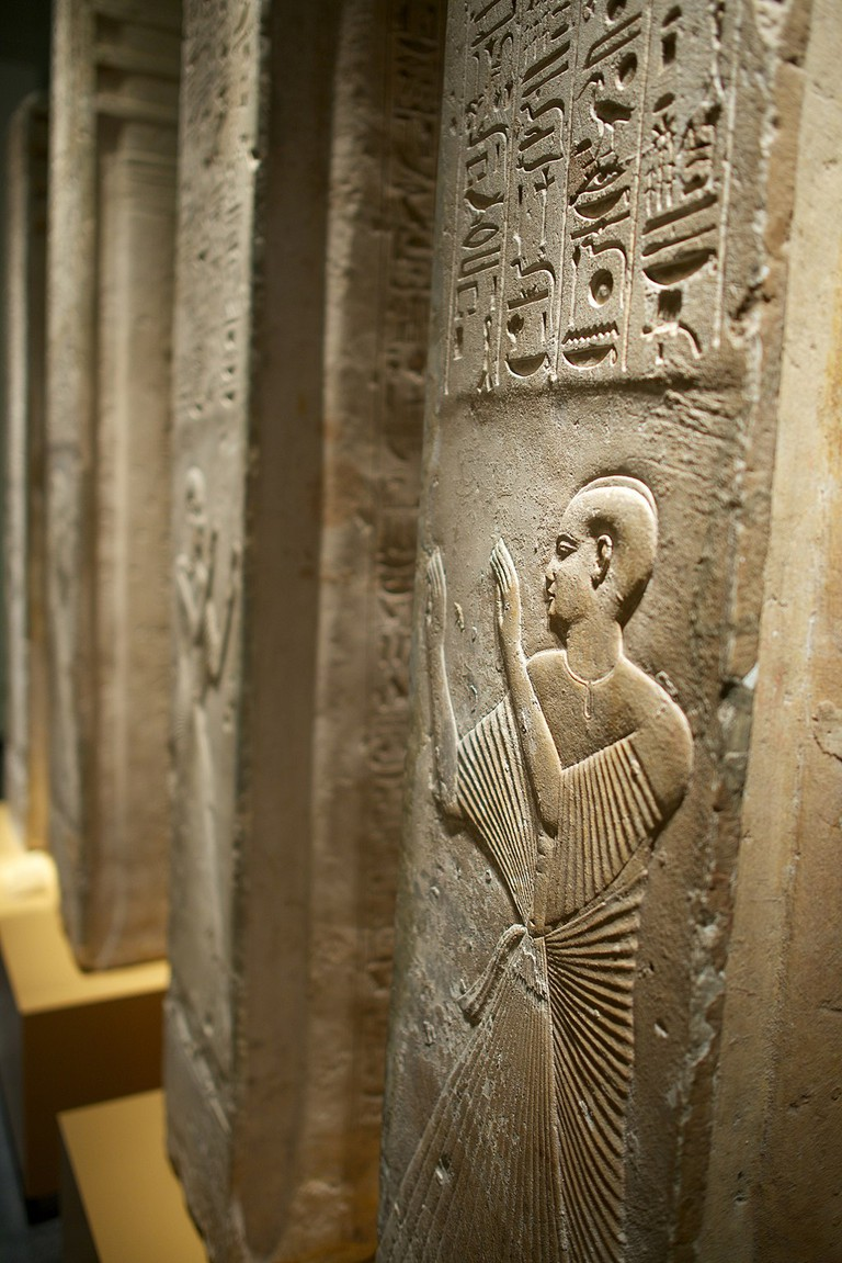 Djed_pillars,_grave_Ptahmes_RMO_Leiden_(8613718957)