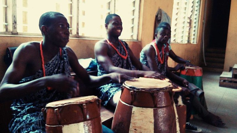 Drummers_of_traditional_Gbedu_drum_in_Yoruba_land_of_Nigeria