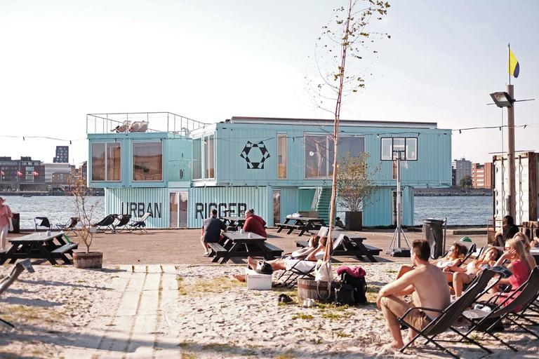 URBAN RIGGER- floating student residence