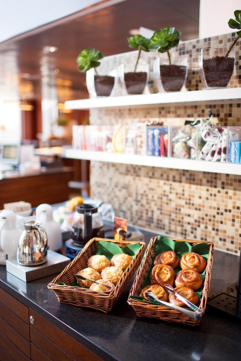 FA_FI_A_Coffee_table