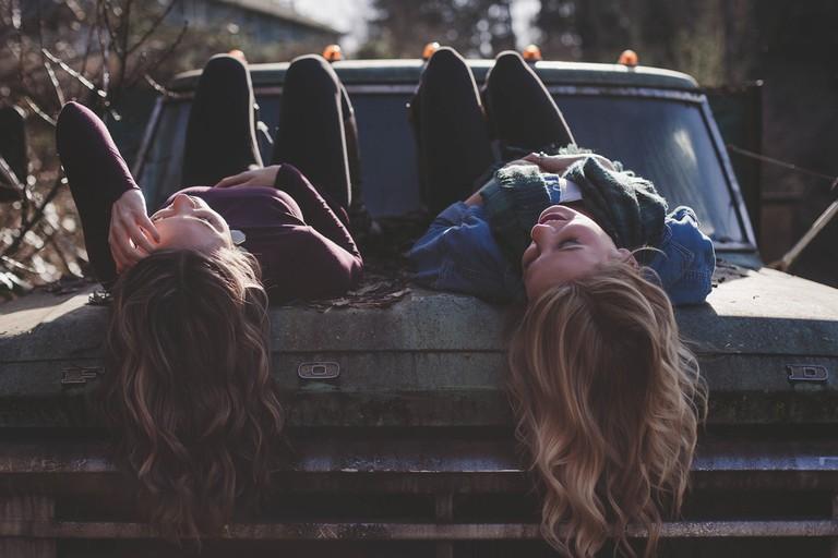 girls-1209321_1280 (1)