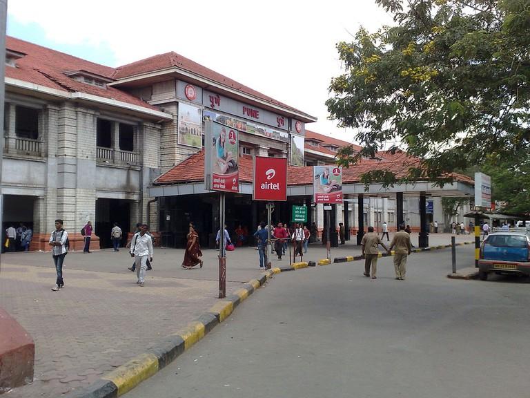 Pune_railway_station_-_Entrance