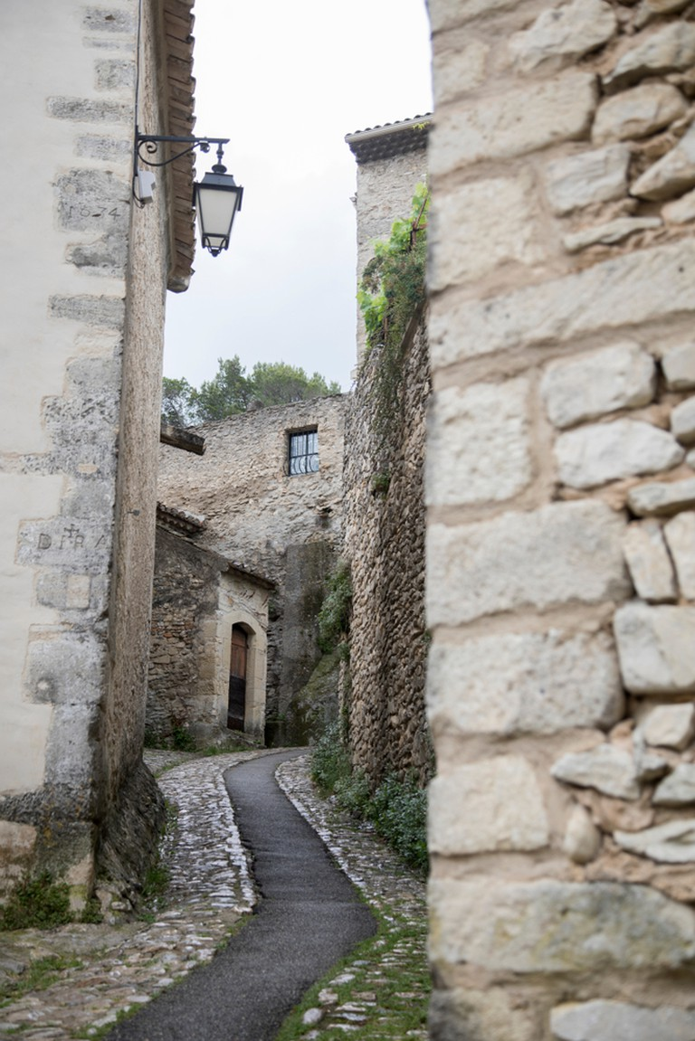 The medieval streets of Vaison-la-Romaine |© mj - tim photography / Shutterstock