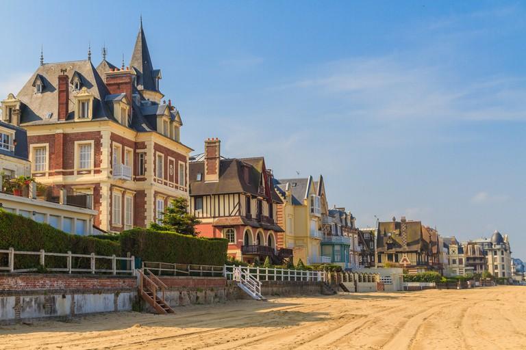 Trouville sur Mer beach promenade, Normandy, France |© Bertl123 / Shutterstock