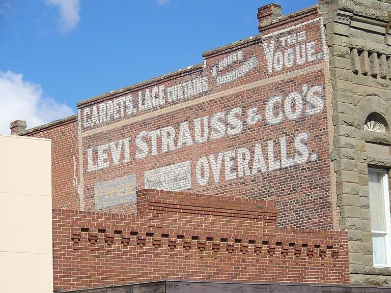 1024px-Levi_Strauss_sign