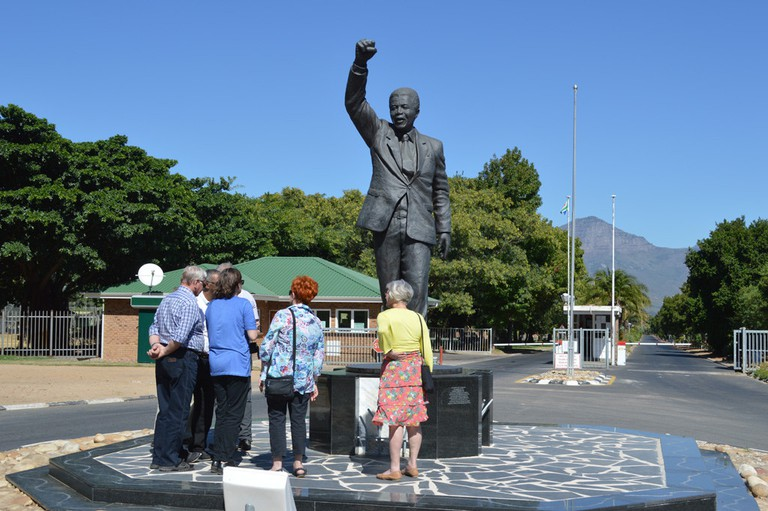 Mandela statue at Drakenstein Correctional Facility