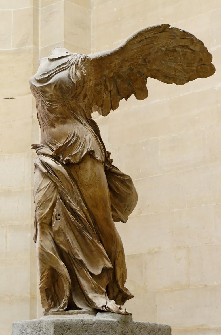 2048px-Nike_of_Samothrake_Louvre_Ma2369_n4