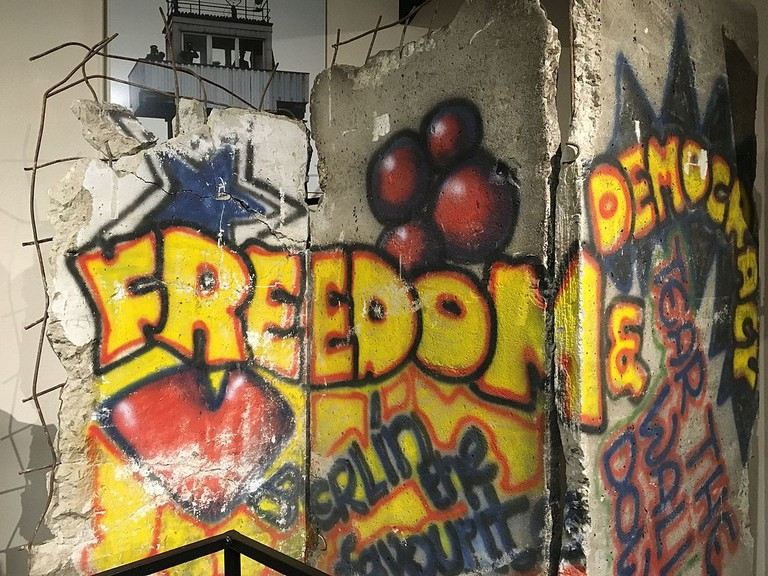 Berlin_Wall,_Fort_Huachuca