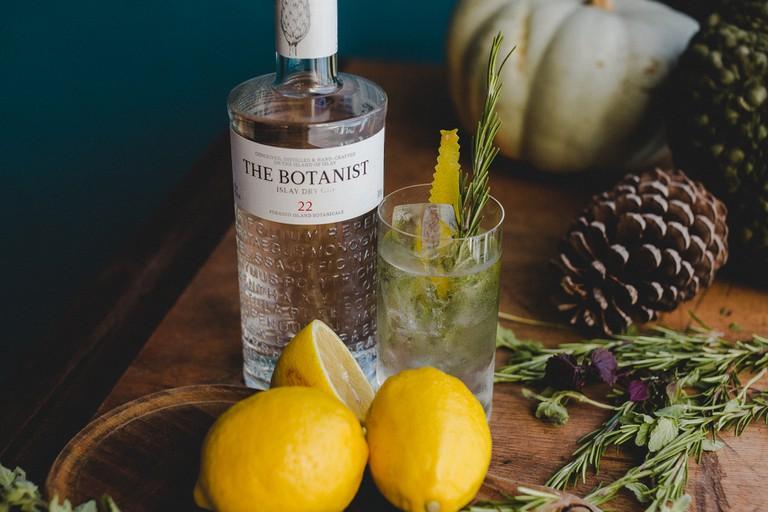 Botanist Gin - Foraging - George Hughes / © Culture Trip