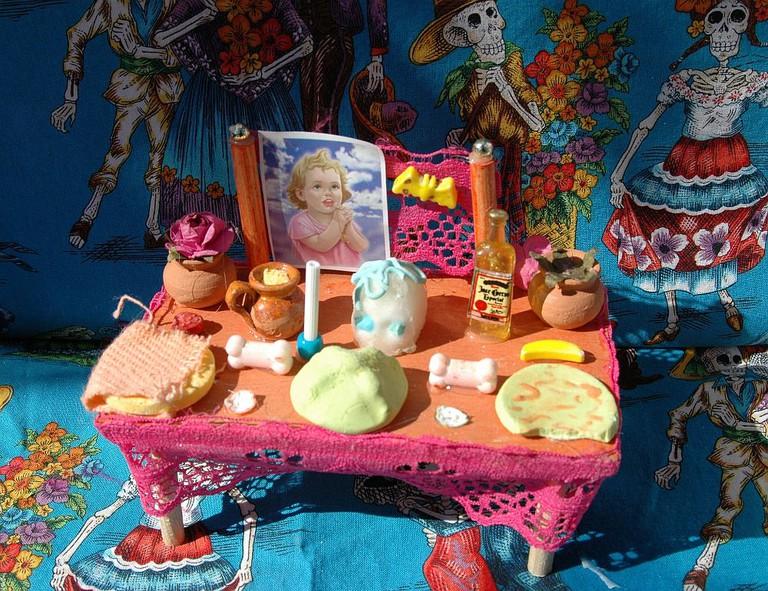 day of the dead mini altar