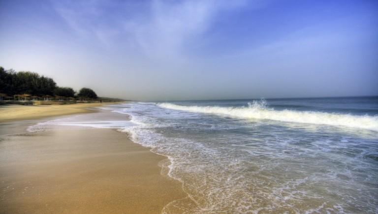 kololi-beach-sea-sand-1
