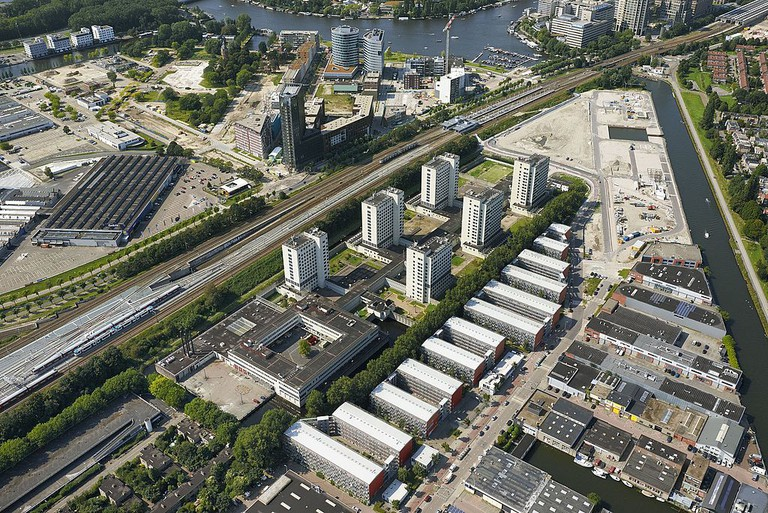 Luchtfoto_Penitentiare_Inrichting_Amsterdam_Over_Amstel,_Amsterdam (1)