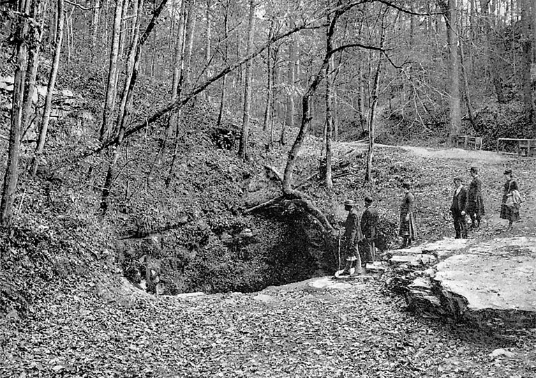 Frances Benjamin Johnston and Party Enter Mammoth Cave