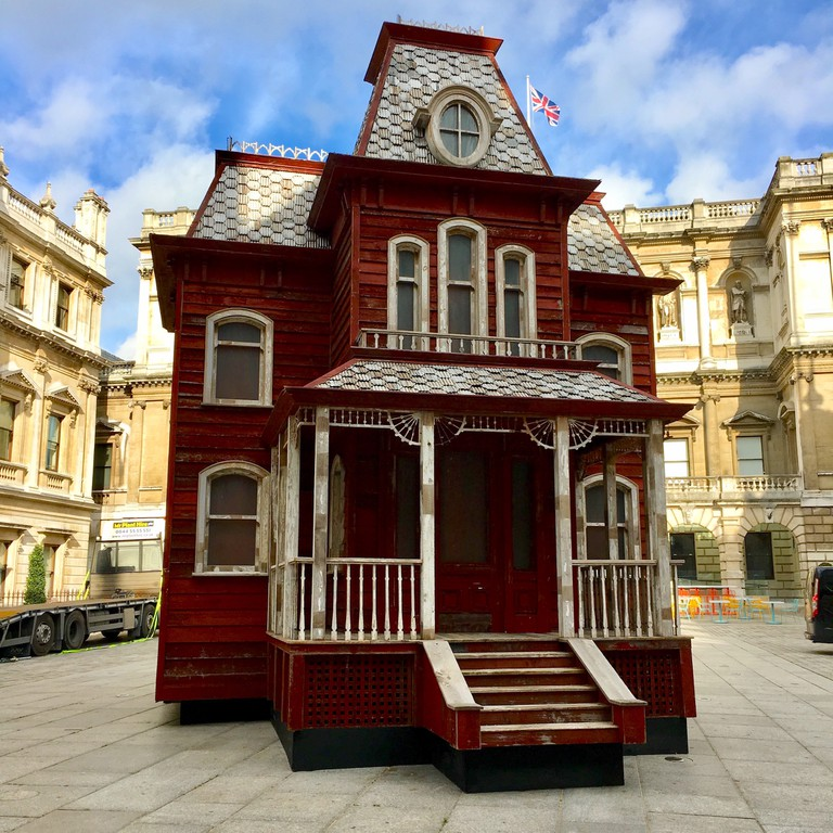 Cornelia Parker's Transitional Object (PsychoBarn) in the RA's Annenberg Court