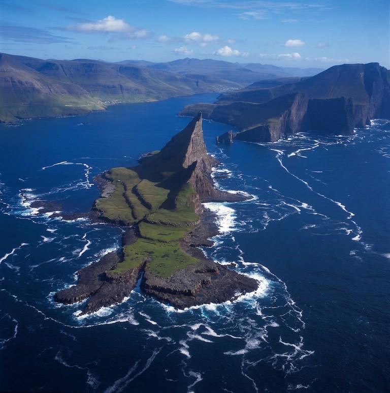 Tindhólmur-islet-Faroe Islands