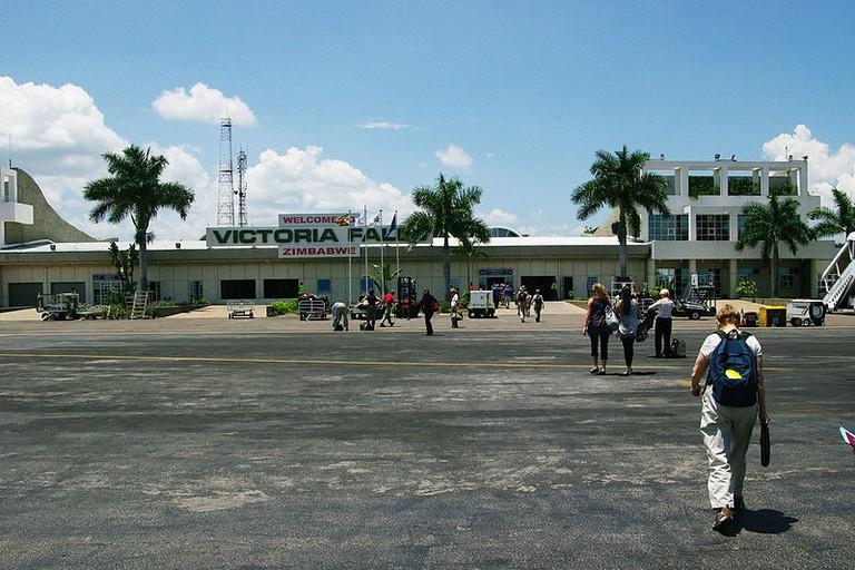 800px-ZW-Victoriafalls-airport