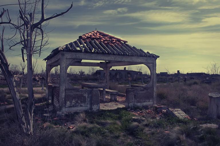 abandoned-3524711_1920