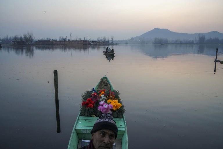 'A flower seller' (2018) by Peter van Agtmael in Srinagar, Kashmir, India