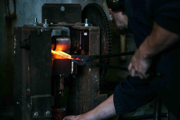 Handmaking a Blenheim Forge knife