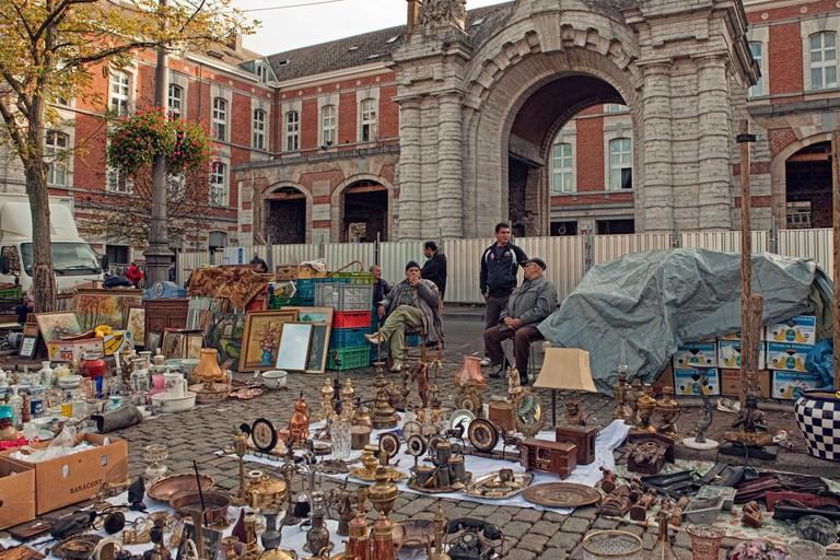 Place Du Jeu De La Balle, Brussels street market.