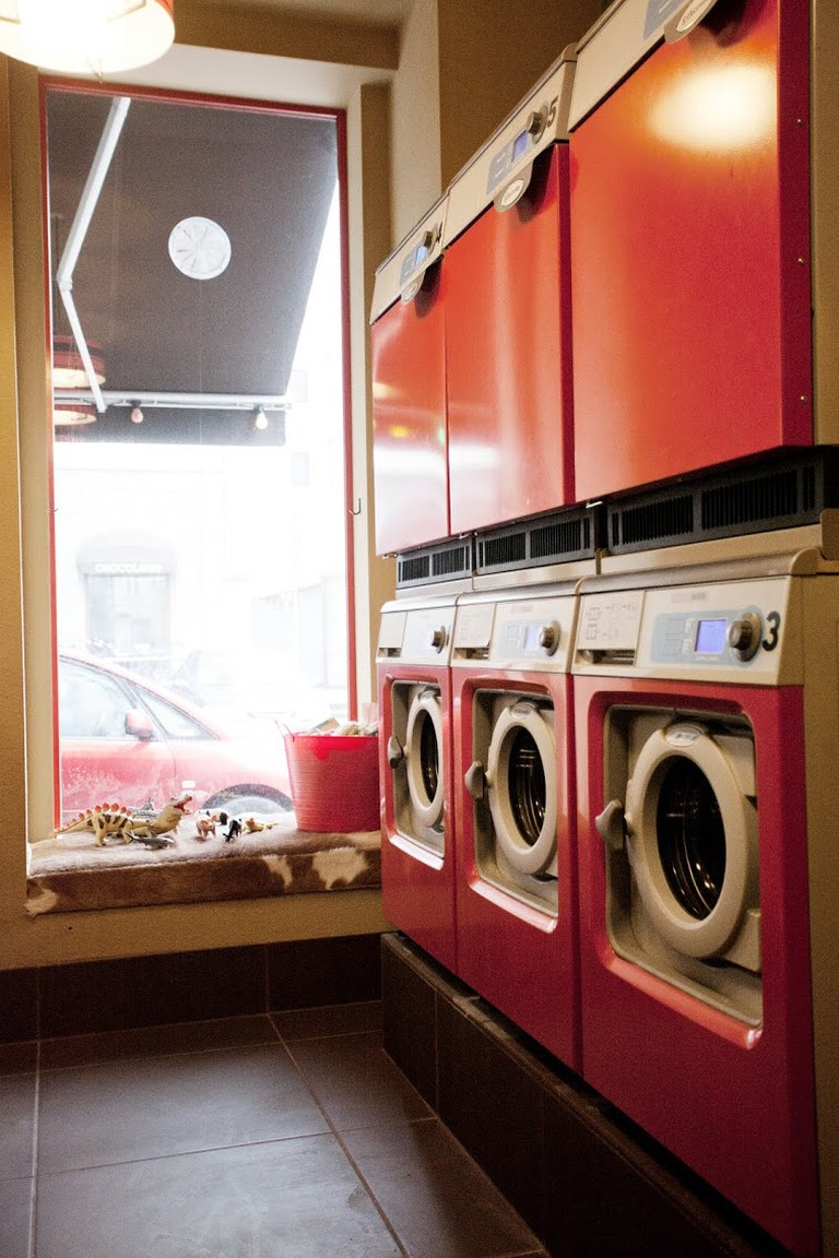 Laundromat_cafe_copenhagen_laundry