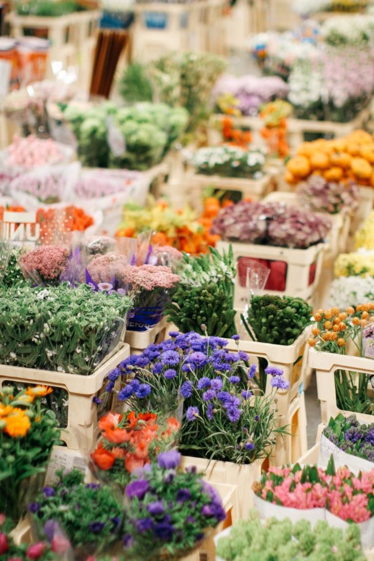 Flowers from the Netherlands, Colombia and Kenya are popular with customers