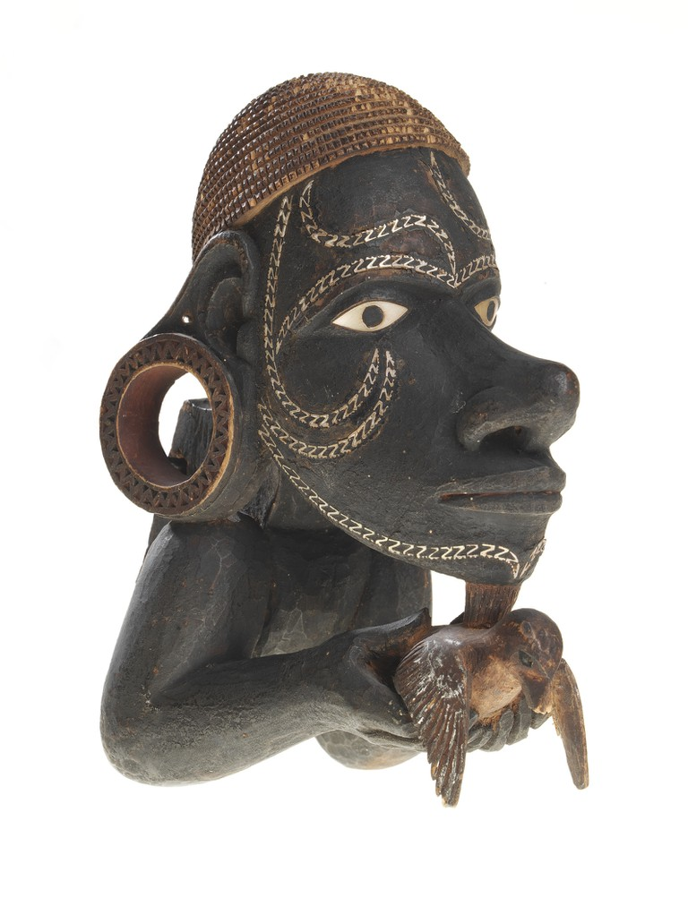 'Canoe prow figure nguzunguzu' from Marovo Lagoon, New Georgia, Solomon Islands