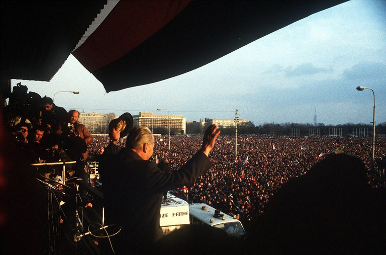 ALEXANDER DUBCEK AT 1989 DEMONSTRATION IN PRAGUE CZECHOSLOVAKIA