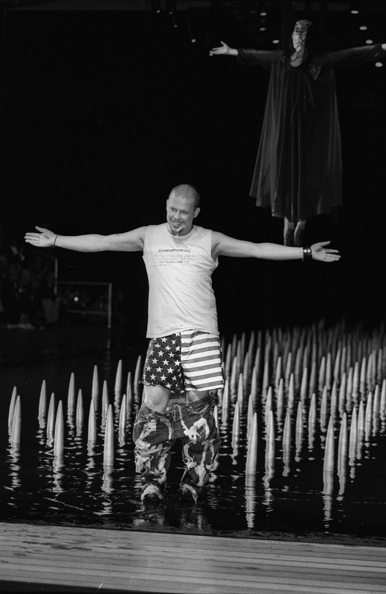 Alexander McQueen Spring 2000 RTW runway show, New York