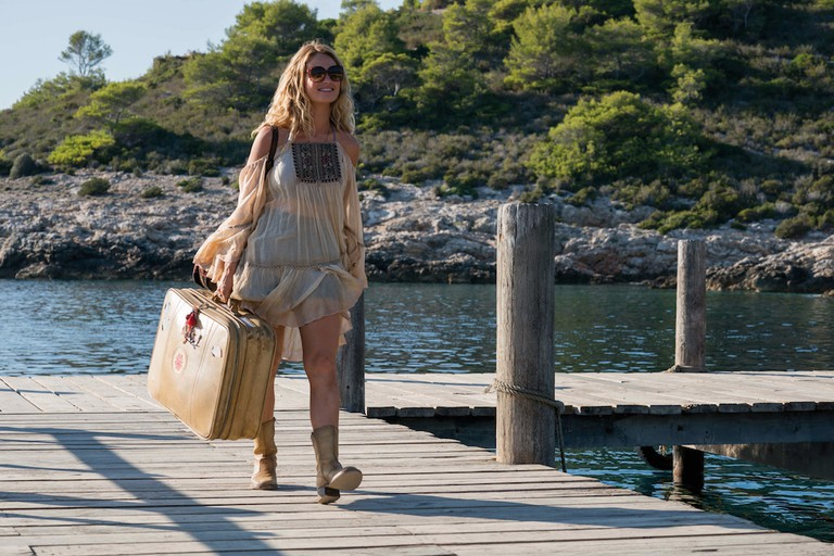 When Young Donna arrives on the island she's ready to embark on the adventure of her life