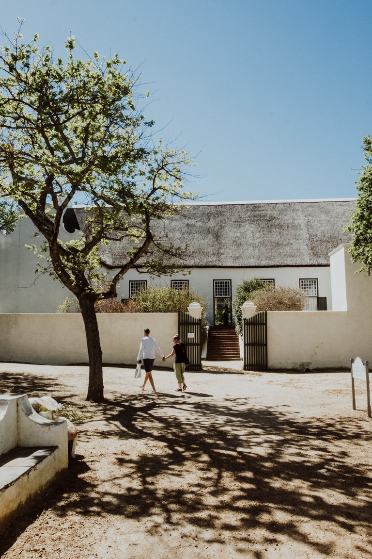 CAPE-TOWN-DUTCH-ARCHITECTURE-CAPE-TOWN-SOUTH-AFRICA