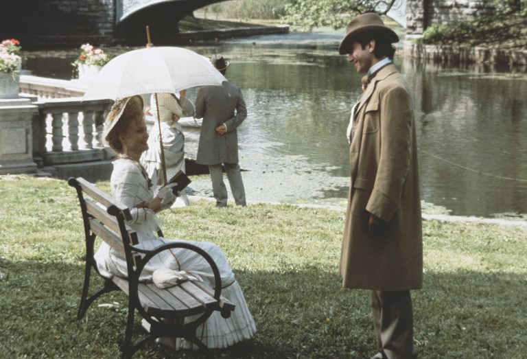 Michelle Pfeiffer and Daniel Day-Lewis in The Age Of Innocence - 1993.