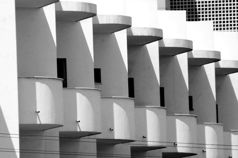 BAUHAUS ARCHITECTURE, TEL AVIV, ISRAEL - JUN 2004