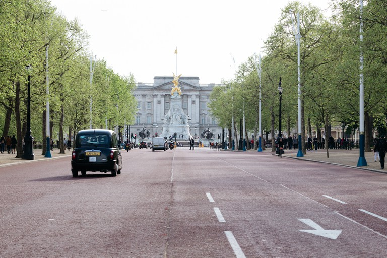 Looking down the mall towards Buckingham Palace