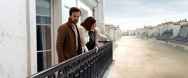 "Romain Duris, Anna Gaylor, Michel Robin, and Olga Kurylenko in ""Dans La Brume"""