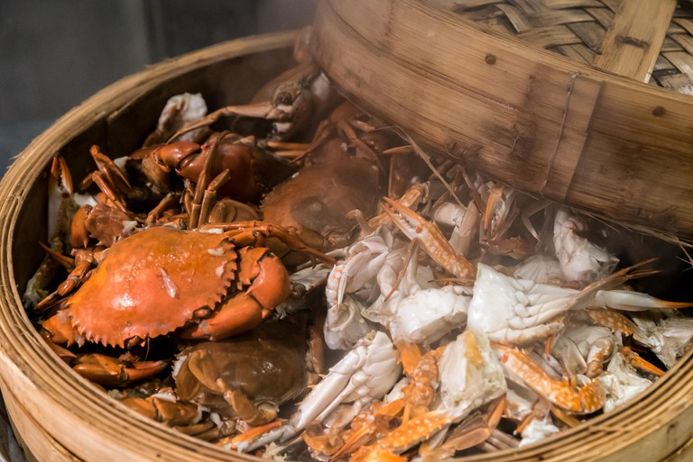steam crab in cooking seafood steamer basket