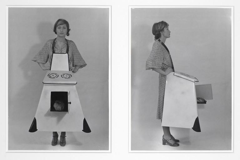 Birgit Jürgenssen, Hausfrauen – Küchenschürze / Housewives' Kitchen Apron, 1975