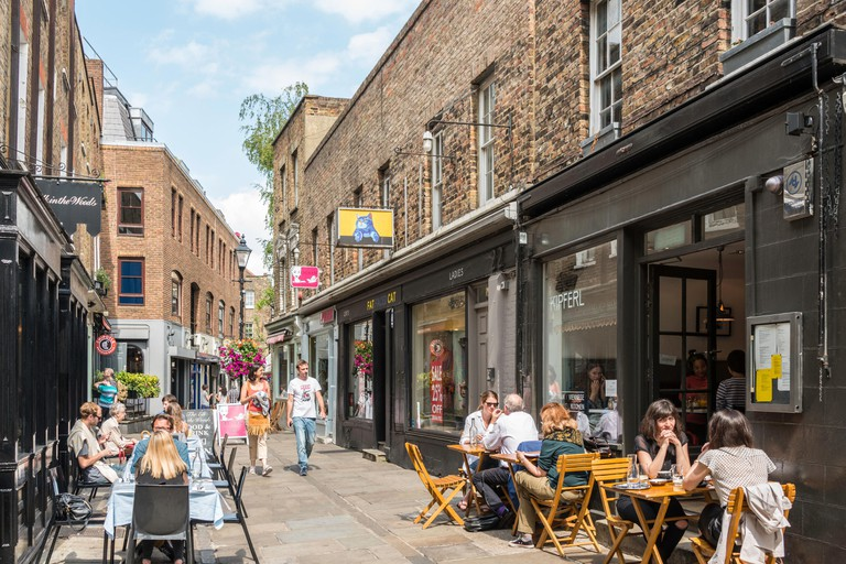 Outdoor restaurants in Camden Passage, Islington, London Borough of Islington, London, England, United Kingdom